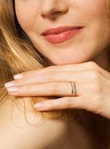 невеста с обручальным кольцом