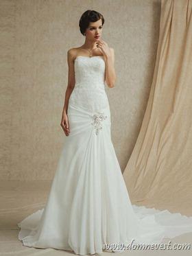 свадебное платье с рисунком из стразов