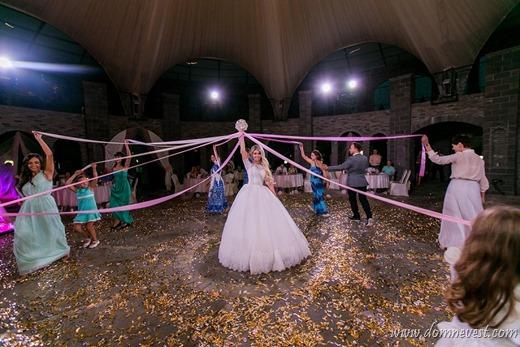альтернатива бросанию свадебного букета