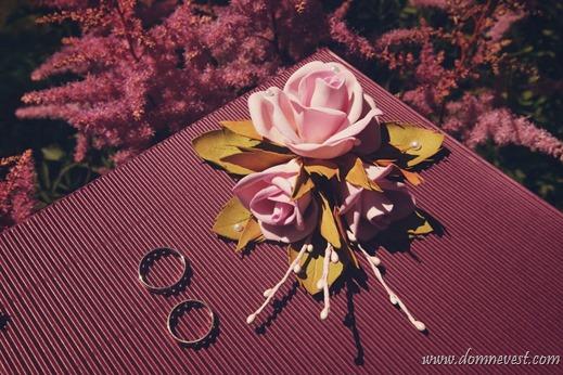 цветы из фома в свадебном декоре