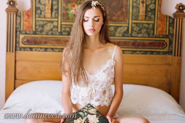 будуарное нижнее белье для утра невесты