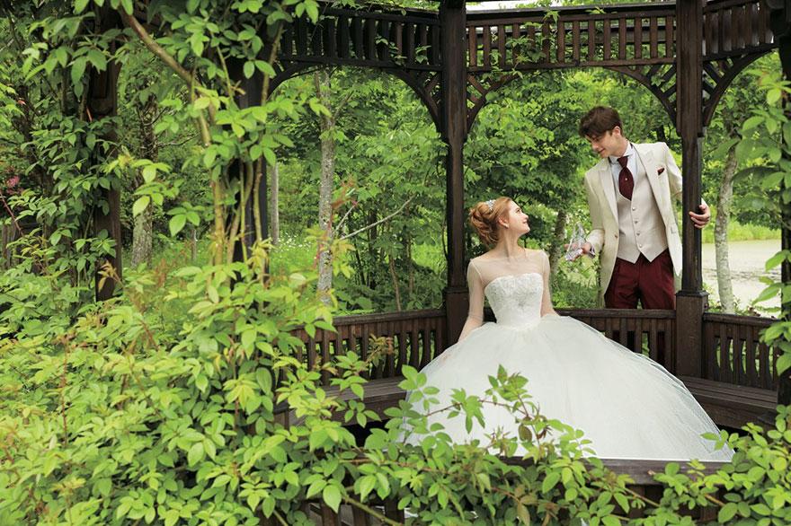 белое свадебное платье в стиле Золушки
