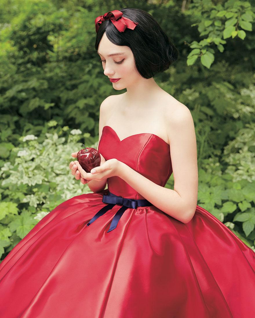 красное свадебное платье в стиле Белоснежки