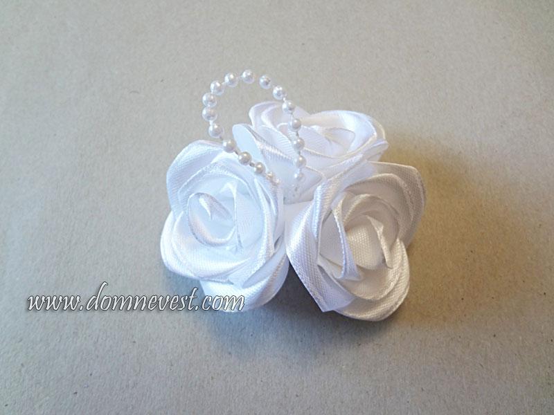 свадебные розы из атласной ленты