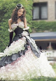 черно-белое свадебное платье для маленькой груди