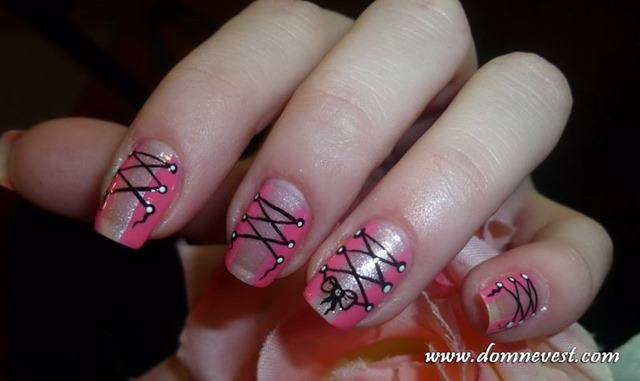 Темно-бордовый дизайн ногтей