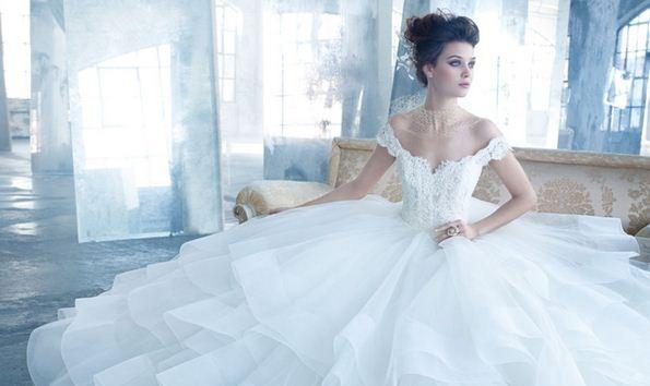 Стоит ли надевать пышное свадебное платье в жаркую погоду? | Дом