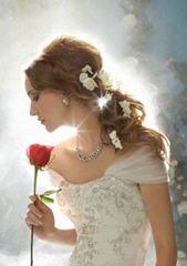 цветы в волосах с прической улей