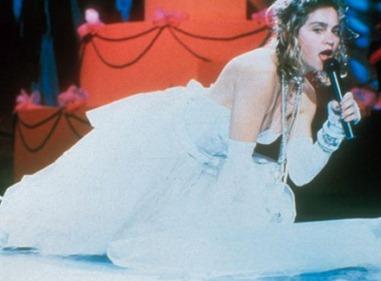 выступление Мадонны like a virgin