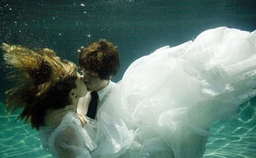 свадебная фотосессия в бассейне
