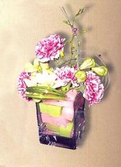 флористическая композиция из гвоздик