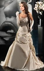 свадебное платье цвета шампанского
