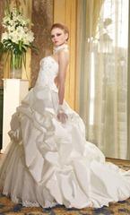 цвет свадебного платья и внешность невесты