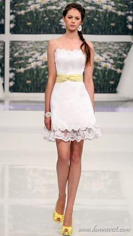 короткое свадебное платье с ромашками