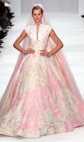 Описание: Цветные свадебные платья 2012, Фото платья 2012 большие.