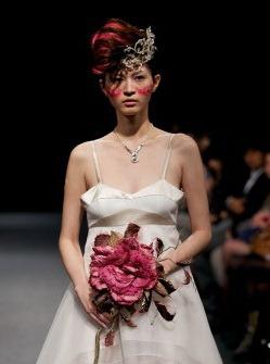 Свадебные платья на tokyo fashion week 2012