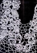 вязаное украшение декольте
