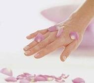 уход за руками и розовое масло