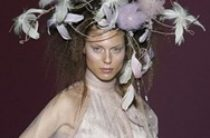 Свадебные украшения 2013 на голову невесты от Isabel Zapardiez