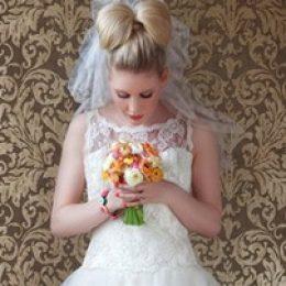 """Прическа """"Бант из волос"""" на свадьбу. Фото, идеи и советы"""