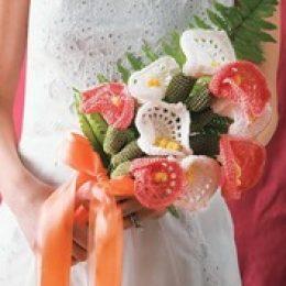 Вязаные цветы и букеты своими руками