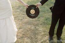 Виниловые пластинки в оформлении свадьбы
