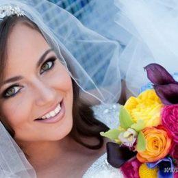 Яркие детали в образе невесты