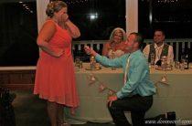 Самое известное предложение руки и сердца на свадьбе друзей