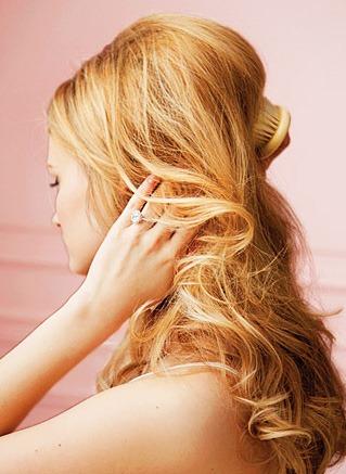 Простая свадебная прическа на длинные волосы - 5