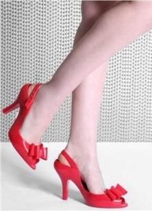 пластиковые туфли с бантиками