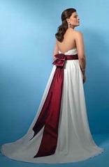 свадебное платье с бордовыми лентами