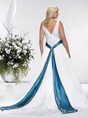 свадебное платье с голубыми вставками