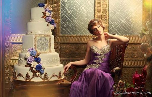 фиолетовое свадебное платье и торт