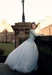 Кира Найтли в свадебном платье и кофте
