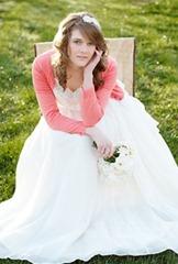 невеста в розовой кофте