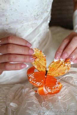 свадебный маникюр с бабочками