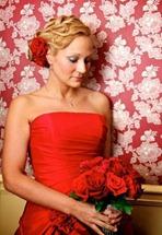 букет для красного свадебного платья